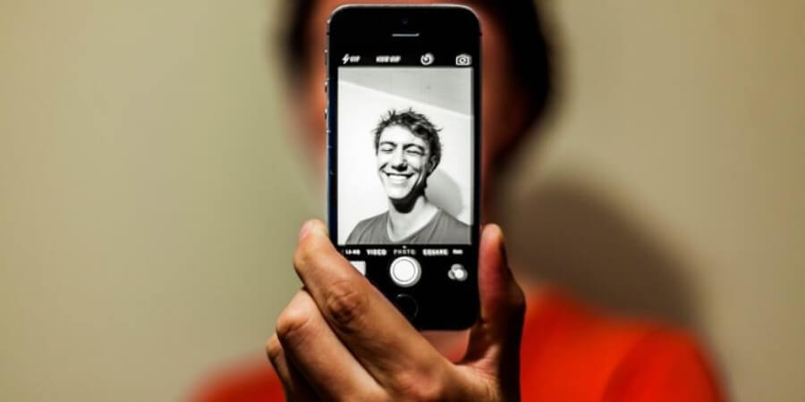 Animate Photos With Your Own Face Using The Reface App